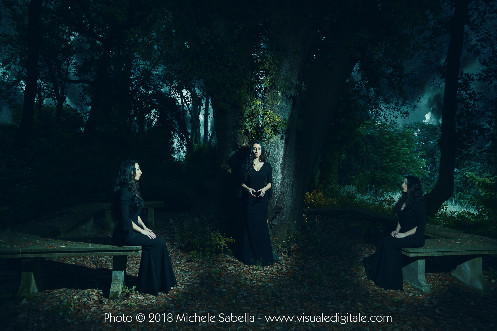 #beneventowitches The Black Witch Project Visualedigitale Foto Michele Sabella Benevento modella Federica Mercurio @feehxx